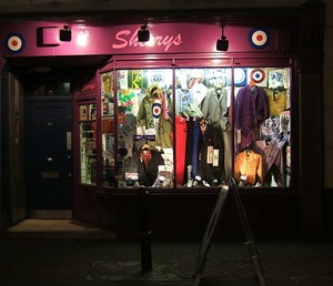 Cheap clothing stores How to open up a clothing store